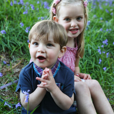Book your May mini family photo shoot!