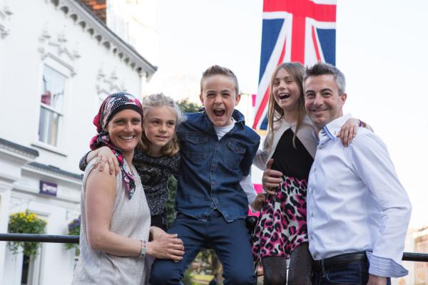 Family surprise  portrait.jpg